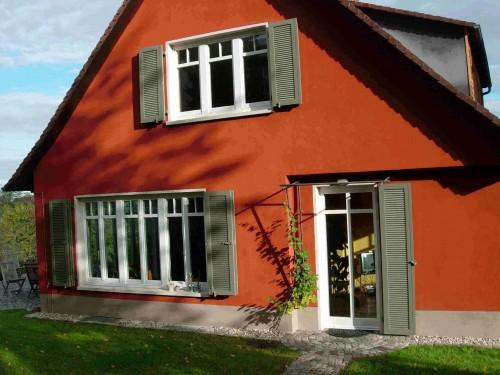 Offenburg, 6-flüglige Läden am breiten Fenster links