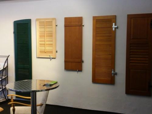 Ausstellung Holz-Fensterläden