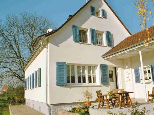 Holz-Läden in Offenburg, Modell 2-2 mit Aussteller