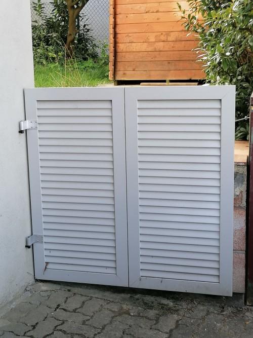 Gartentüre aus Aluminium-Fensterläden