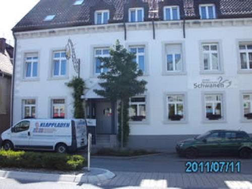 Hotel Restaurant Schwanen vor der Montage von Fensterläden, 77933 Lahr